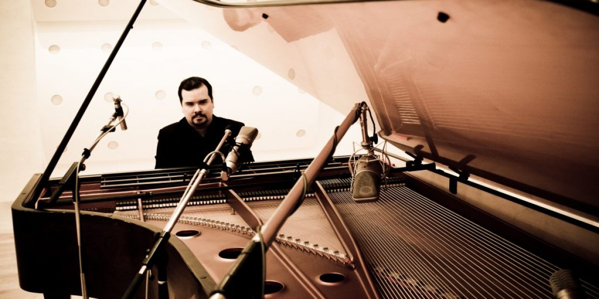 Headlining the festival and making his UK debut on March 28th 2020, Artur Cimirro will present a piano recital featuring a wide repertoire from Bach to Beethoven, Chopin, Liszt and Rachmaninov. Artur Cimirro enjoys an eclectic career as a pianist, composer, arranger and writer. 28th March 2020 - 7:00pm